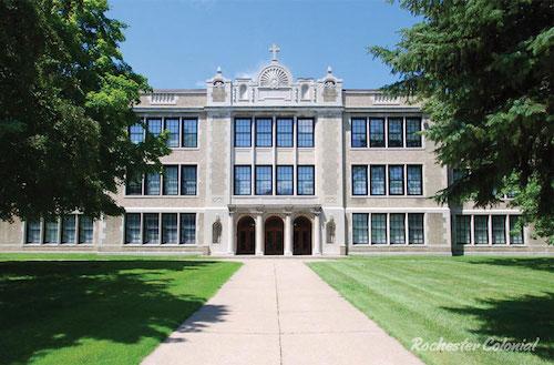 Lycée de Rochester, découverte pas à pas