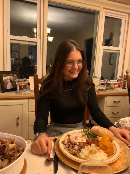 nouvelles, Nina passe à table
